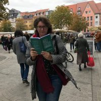 Reading while walking